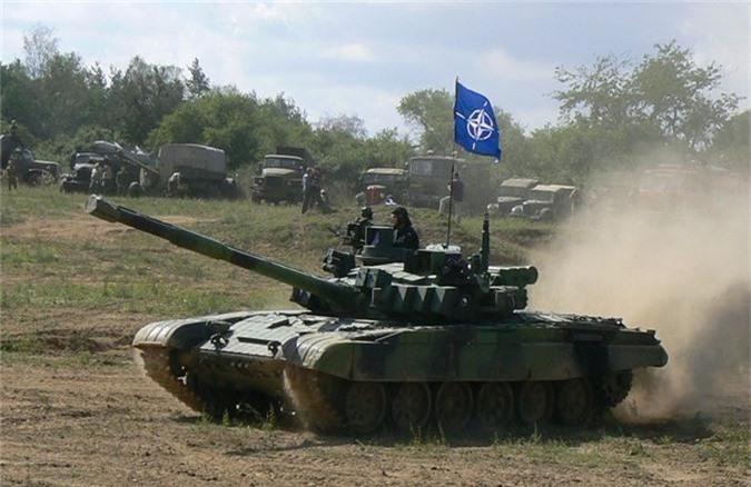 Nga ve NATO, Czech van mo tuong ve xe tang Nga-Hinh-4