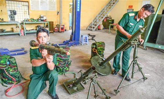 Ngo ngang thiet ke sung chong tang ban... hoi cua Viet Nam-Hinh-4