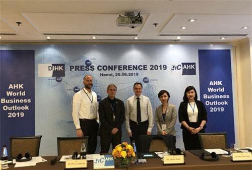 Họp báo công bố kết quả khảo sát AHK World Business Outlook 2019 tổ chức tại Hà Nội sáng ngày 20/6.