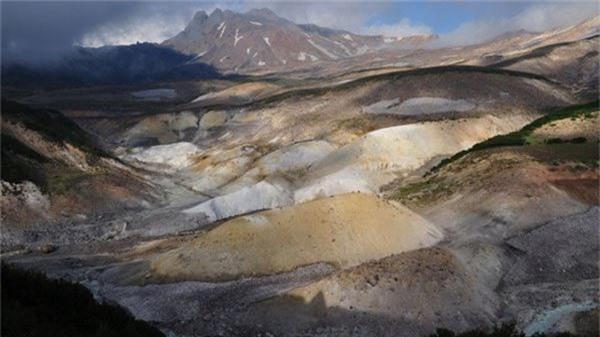 Vào thế kỷ 20, Thung lũng Chết được phát hiện một cách tình cờ ở bán đảo Kamchatka thuộc vùng Viễn Đông Nga