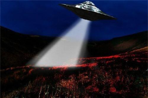 Cuc soc: Linh My cham tran UFO trong CT Trieu Tien?-Hinh-7