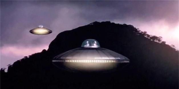 Cuc soc: Linh My cham tran UFO trong CT Trieu Tien?-Hinh-9