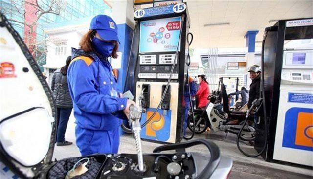 Giá xăng dự kiến lại tăng vào ngày mai - 1