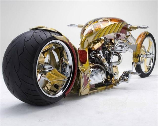Yamaha Road Star BMS Chopper.