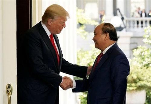 Thủ tướng Nguyễn Xuân Phúc và Tổng thống Mỹ Donald Trump. Ảnh minh họa: Reuters.