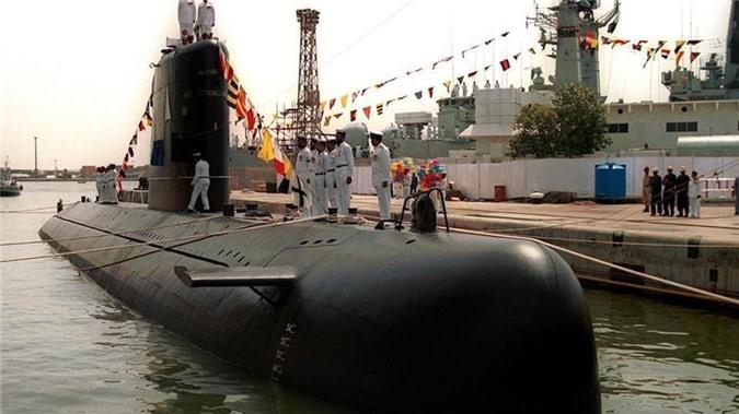 PNS Saad - tàu ngầm tối tân nhất thuộc lớp Agosta của Pakistan. Ảnh: AP