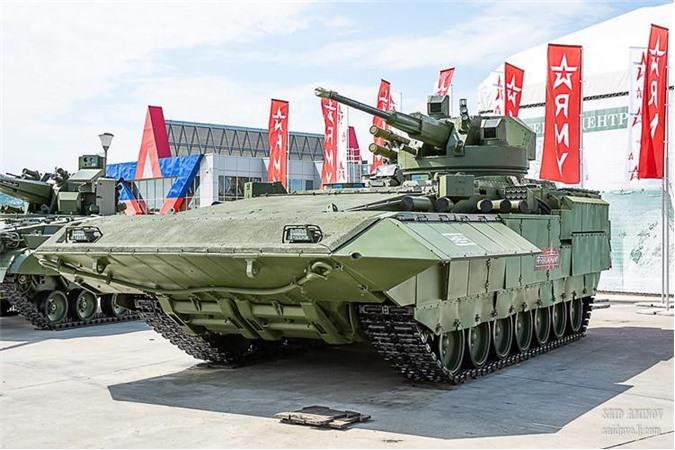 Trong khuôn khổ Diễn đàn Quân sự - Kỹ thuật Quốc tế lần thứ 5 (Army 2019) chính thức khai màn ngày 25/6 tại Kubinka, Tổng Công ty Nghiên cứu - Sản xuất Uralvagonzavod chính thức giới thiệu nguyên mẫu xe chiến đấu bộ binh hạng nặng T-15 Armata trang bị module chiến đấu DUBM-57 Kinzhal trang bị pháo tự động 57mm. Nguồn ảnh: SAID AMINOV