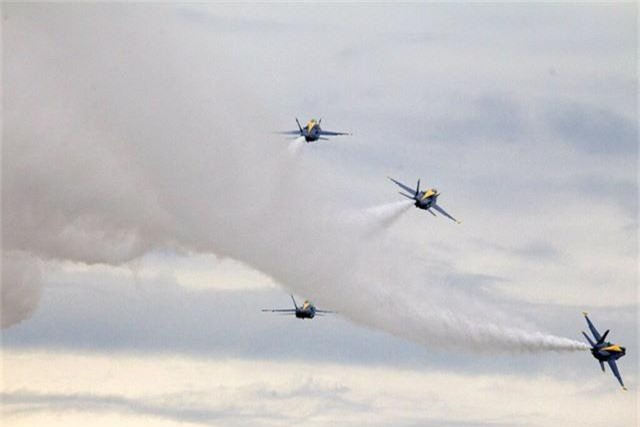 Chim ăn thịt F-22, oanh tạc cơ B-2 tung cánh trong ngày Quốc khánh Mỹ - Ảnh 14.
