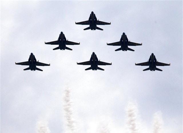 Chim ăn thịt F-22, oanh tạc cơ B-2 tung cánh trong ngày Quốc khánh Mỹ - Ảnh 15.