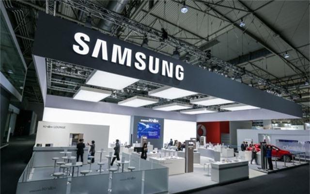 Lợi nhuận của Samsung có thể giảm một nửa vì… Huawei - Ảnh 1.