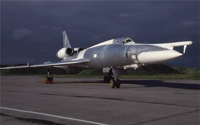Vi sao phi cong Lien Xo tu choi dung may bay nem bom Tu-22?-Hinh-12