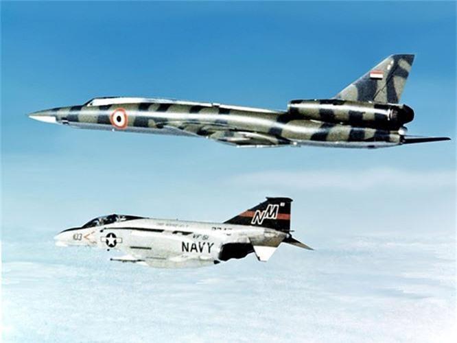 Vi sao phi cong Lien Xo tu choi dung may bay nem bom Tu-22?-Hinh-13