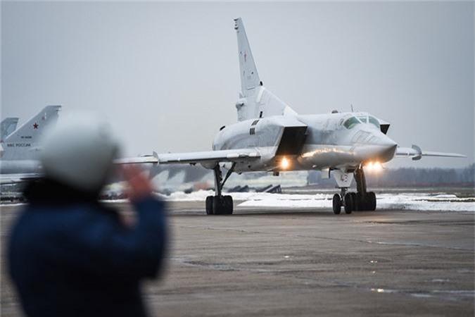 Vi sao phi cong Lien Xo tu choi dung may bay nem bom Tu-22?-Hinh-2