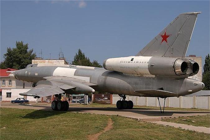Vi sao phi cong Lien Xo tu choi dung may bay nem bom Tu-22?-Hinh-5