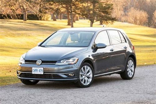 4. Volkswagen Golf (doanh số: 5.473 chiếc).