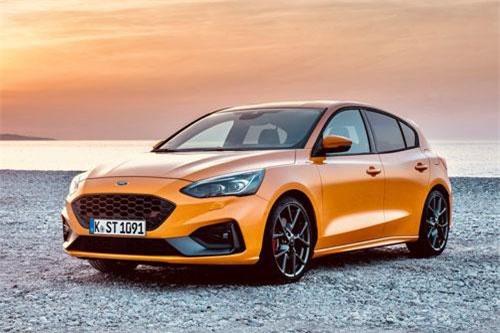 5. Ford Focus (doanh số: 5.450 chiếc).