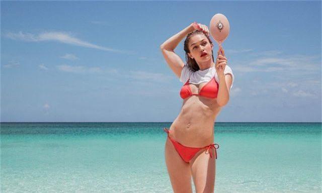 Gigi Hadid tập yoga trong ảnh quảng cáo - 3