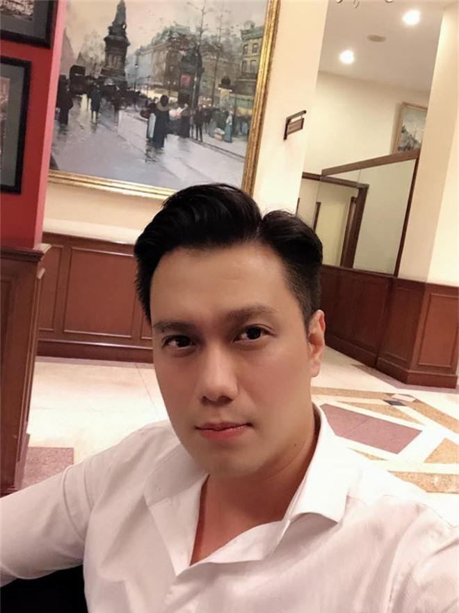 """Việt Anh lần đầu đăng ảnh cận mặt sau thẩm mỹ, vẫn còn lộ nguyên dấu vết """"dao kéo"""" - Ảnh 3."""