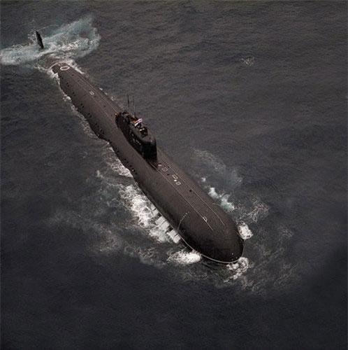 Tàu ngầm Liên Xô số hiệu K-429 hay còn được biết tới với số hiệu K-329 được coi là tàu ngầm đen đủi nhất thế giới khi nó bị chìm tới hai lần nhưng cuối cùng vẫn được hải quân Liên Xô trục vớt lên và tiếp tục sử dụng. Nguồn ảnh: RHBT.