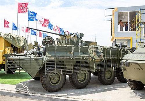Trong khuôn khổ Diễn đàn Quân sự - Kỹ thuật Quốc tế lần thứ 5 (Army 2019) đang diễn ra tại Công viên Patriot, Nhà máy Arzamas lần đầu tiên giới thiệu phiên bản mới nhất dòng xe thiết giáp chở quân BTR-82A - mẫu mới mang tên BTR-82AT. Nguồn ảnh: SAID AMINOV