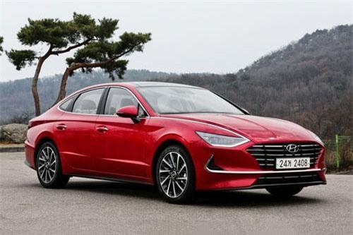 Hyundai Sonata (doanh số: 9.822 chiếc).