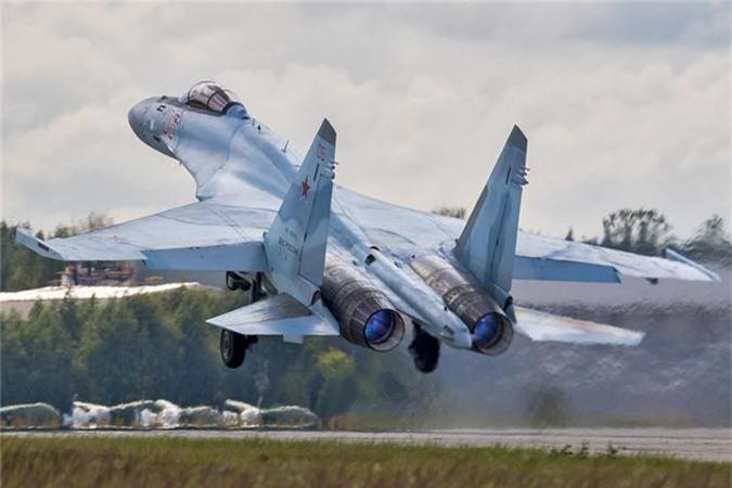 """Khong tuong ly do tiem kich Su-35 """"them khat"""" doi thu de tieu diet"""