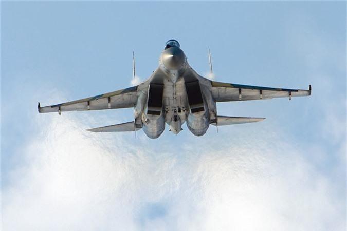 """Khong tuong ly do tiem kich Su-35 """"them khat"""" doi thu de tieu diet-Hinh-8"""