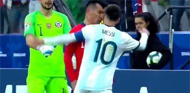 Messi nhận thẻ đỏ, Argentina nhọc nhằn giành hạng ba Copa America - 6