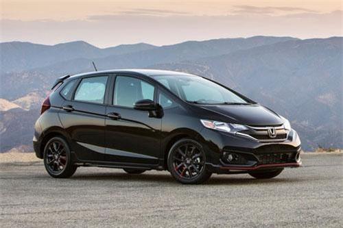 4. Honda Fit (doanh số: 8.671 chiếc).
