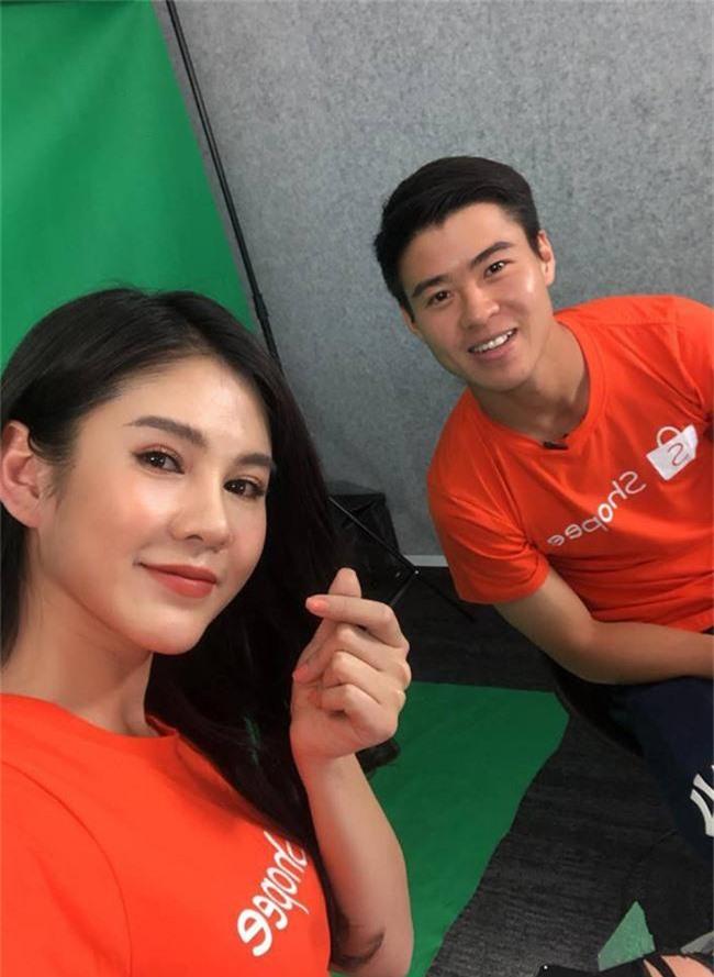 """cuoc song dang mo uoc cua co gai nong bong lam """"nu thu ky"""" cho cong phuong hinh anh 20"""