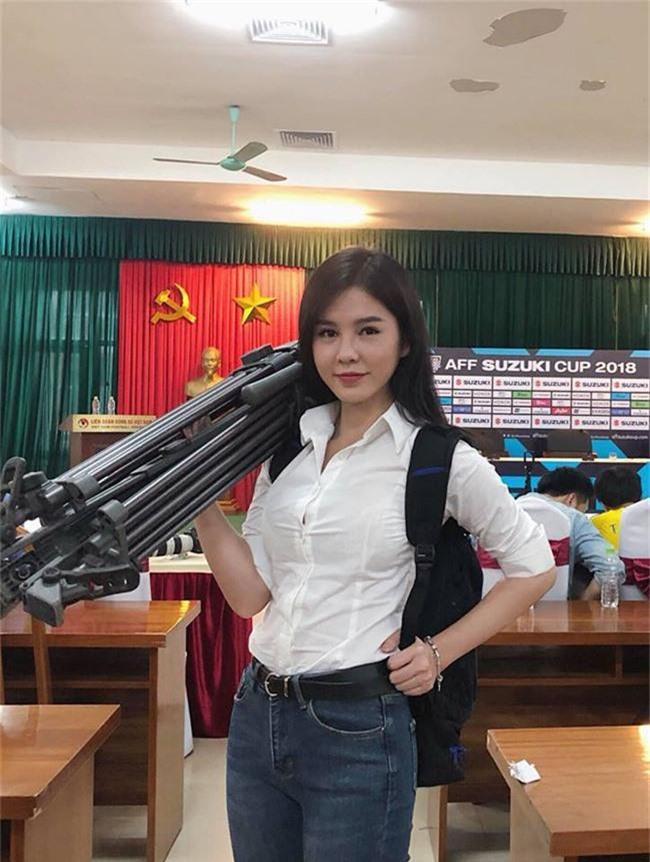 """cuoc song dang mo uoc cua co gai nong bong lam """"nu thu ky"""" cho cong phuong hinh anh 21"""