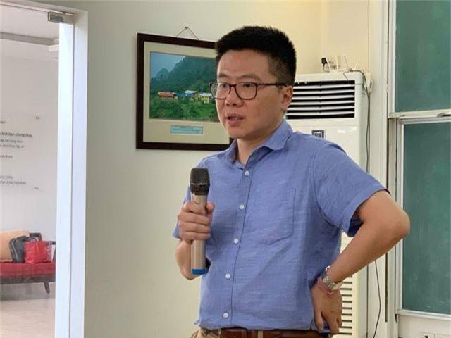 Giáo sư Ngô Bảo Châu dạy toán cho học sinh có hoàn cảnh khó khăn - 4