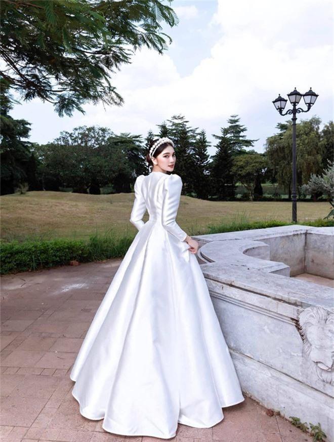Ngọc Nữ đăng ảnh diện váy cưới, để lộ bằng chứng vẫn còn mặn nồng với Văn Đức? - Ảnh 5.