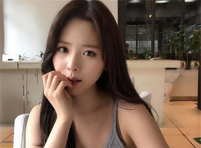Youtuber xinh đẹp Hàn Quốc từ bỏ ước mơ làm thần tượng sau khi bị gạ tình công khai - Ảnh 3.