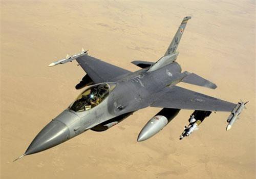 Chiến đấu cơ F-16 của tập đoàn Lockheed Martin mẫu vũ khí bán chạy nhất của Mỹ ở thị trường châu Âu. Ảnh: Reuters