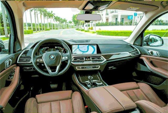 Hàng loạt mẫu xe sang làm sôi động thị trường trong nước tháng 7 - 3
