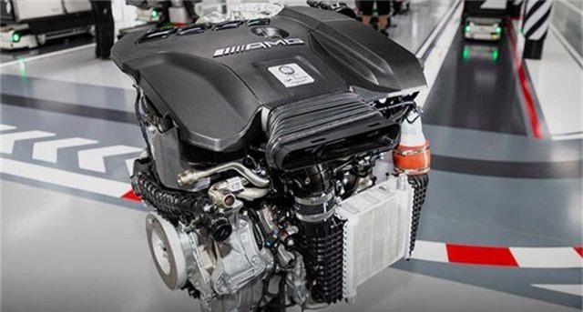 Hàng loạt mẫu xe sang làm sôi động thị trường trong nước tháng 7 - 5