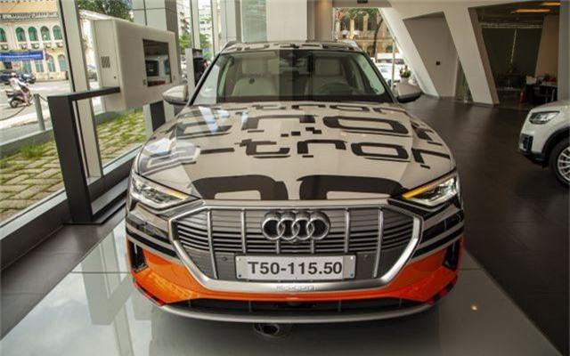 Hàng loạt mẫu xe sang làm sôi động thị trường trong nước tháng 7 - 6