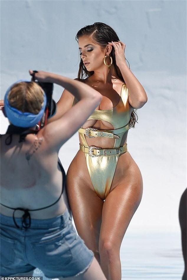 Mặc đồ bơi 1 mảnh thôi mà bản sao Kylie Jenner cũng bức thở người xem, khoe body không thể xôi thịt hơn - Ảnh 5.