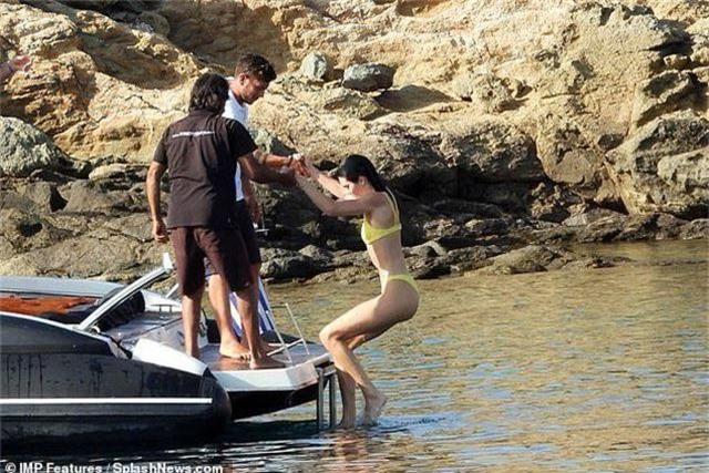 Mê mẩn dáng vóc nuột nà của Kendall Jenner - 13