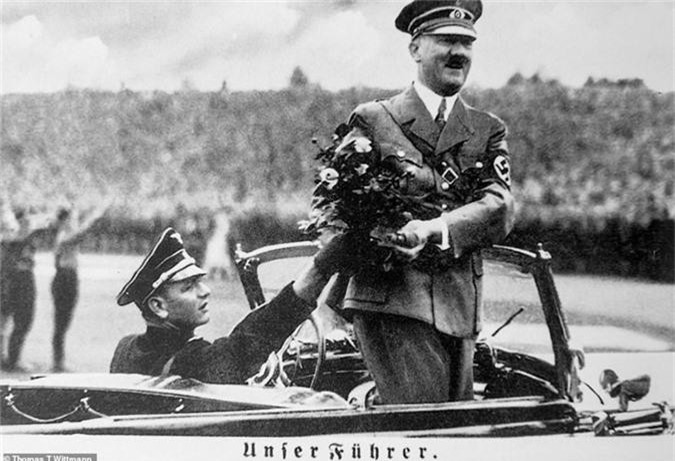 Su that soc toan tap ve ke dot xac vo chong Hitler
