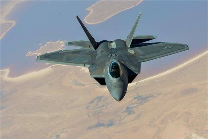 Tiem kich F-22 My vua dua toi Qatar xin hon F-35 o diem nao?-Hinh-7