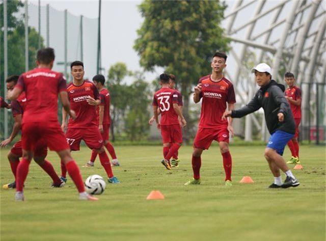 Tiền vệ Việt kiều Martin Lo quyết ghi điểm với HLV Park Hang Seo - 10