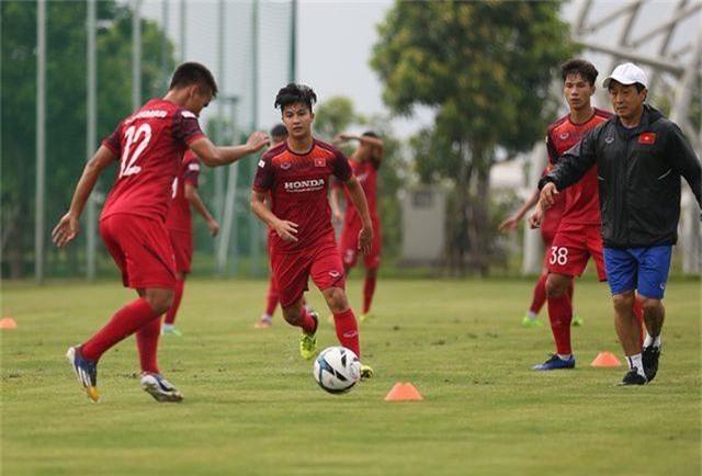 Tiền vệ Việt kiều Martin Lo quyết ghi điểm với HLV Park Hang Seo - 9