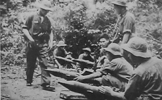 Bộ đội Việt Nam trong kháng chiến chống Mỹ huấn luyện sử dụng tên lửa Malyutka (B72), Nguồn ảnh: QĐND