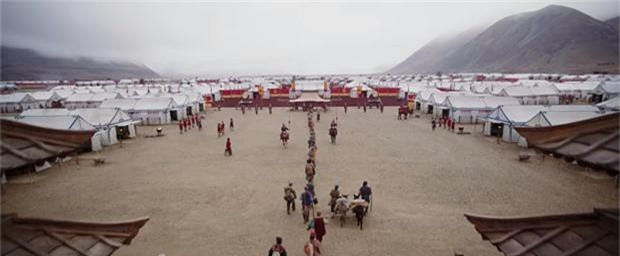 Tạo hình mặt mộc, tóc rối của Lưu Diệc Phi trong 'Mulan' gây bão mạng xã hội - ảnh 4