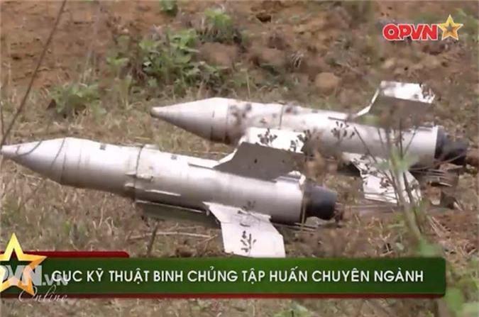 "Uy luc ghe gom ""phao lui"" B72 cua bo doi Viet Nam-Hinh-2"