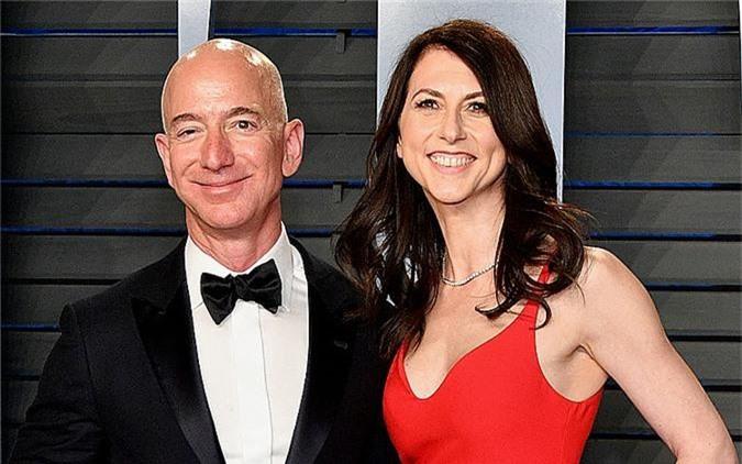 Gia đình Bezos. Ảnh:Businessinsider.