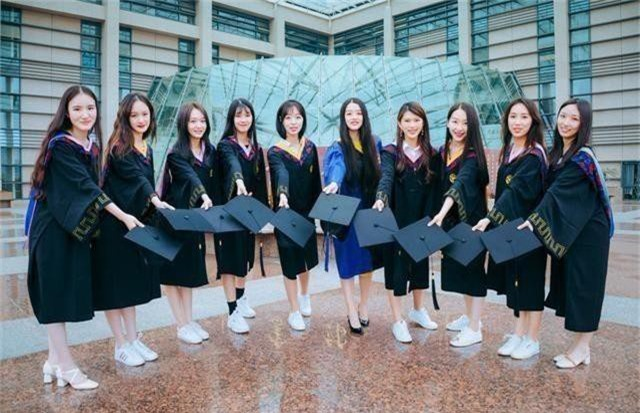 Bộ ảnh kỷ yếu của nữ sinh Chiết Giang có gì hot khiến dân mạng phải thốt lên: Năm sau nhất định phải thi vào trường bằng mọi giá - Ảnh 8.