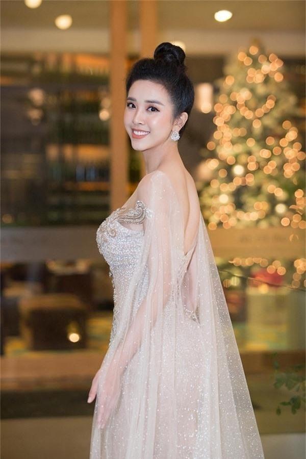 Bộ ba Hoa hậu Việt Nam 2018 sau 1 năm giờ ra sao?